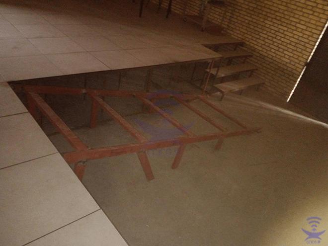 پله و رمپ کف کاذب